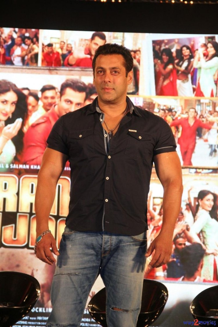 Salman Khan Indian-Bollywood Movie Bajrangi Bhaijaan Eid Special Song Launch HD Wallpapers-10
