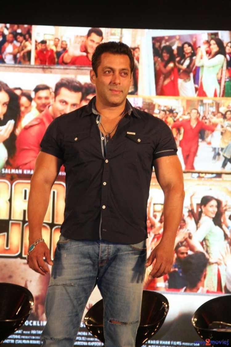 Salman Khan Indian-Bollywood Movie Bajrangi Bhaijaan Eid Special Song Launch HD Wallpapers-5