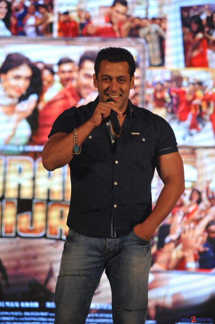 Salman Khan Indian-Bollywood Movie Bajrangi Bhaijaan Eid Special Song Launch HD Wallpapers-6