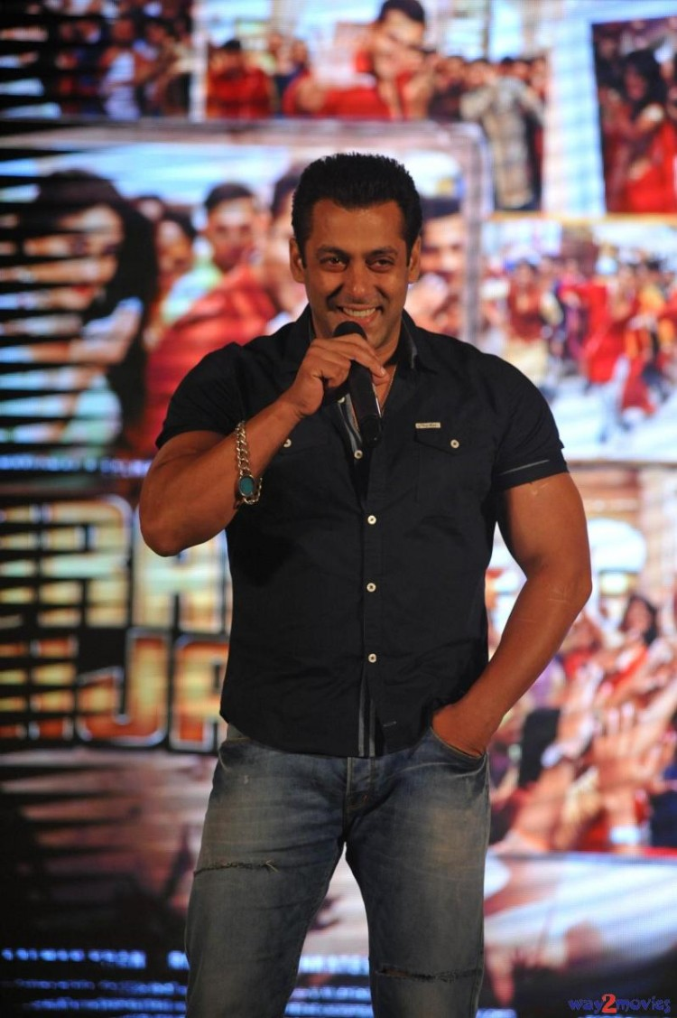 Salman Khan Indian-Bollywood Movie Bajrangi Bhaijaan Eid Special Song Launch HD Wallpapers-7