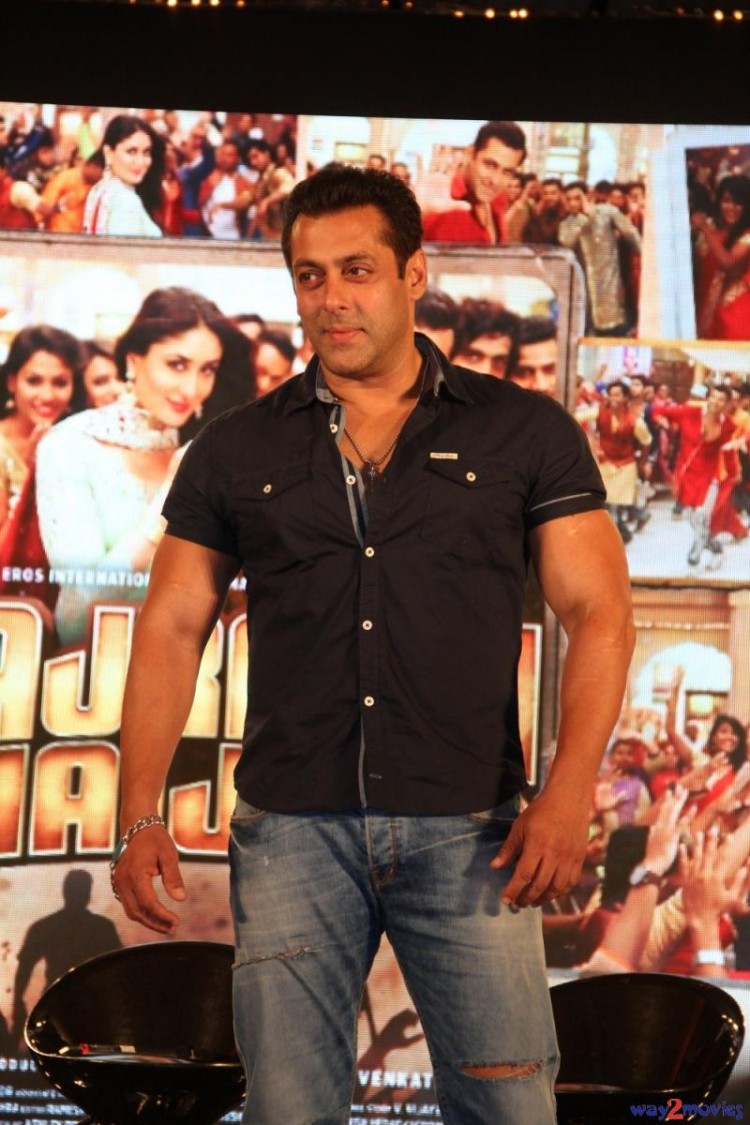 Salman Khan Indian-Bollywood Movie Bajrangi Bhaijaan Eid Special Song Launch HD Wallpapers-9