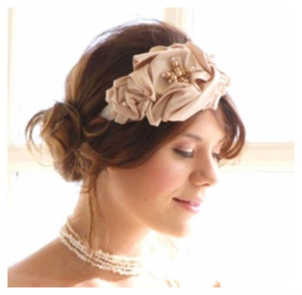 Lovely Artificial Silk Flower Hairstyles New Fashion for Western Girls-Women-10