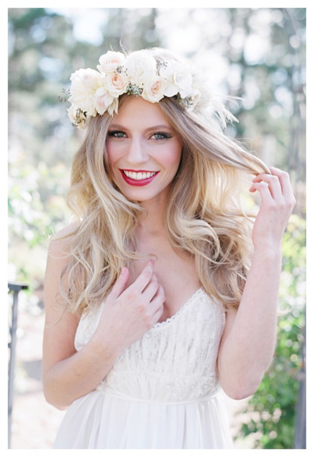 Lovely Artificial Silk Flower Hairstyles New Fashion for Western Girls-Women-2