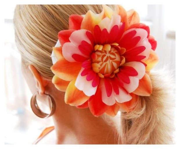 Lovely Artificial Silk Flower Hairstyles New Fashion for Western Girls-Women-4