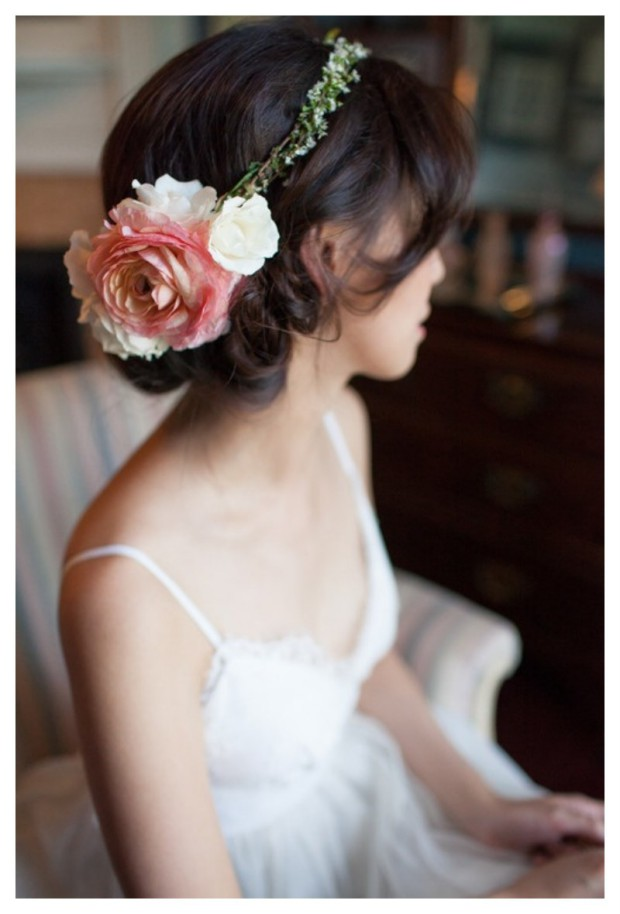 Lovely Artificial Silk Flower Hairstyles New Fashion for Western Girls-Women-8