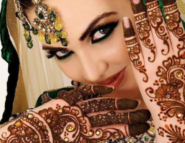 Bridal-Wedding Mehndi Designs for Full Hands-Feet Front and Back Latest Fashion Mehendi-4