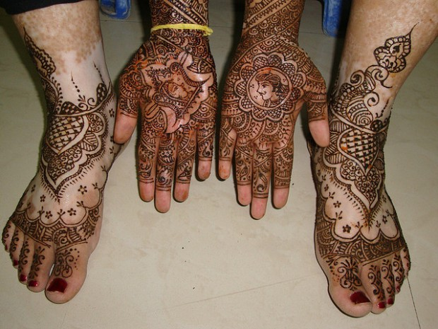 Bridal-Wedding Mehndi Designs for Full Hands-Feet Front and Back Latest Fashion Mehendi-8