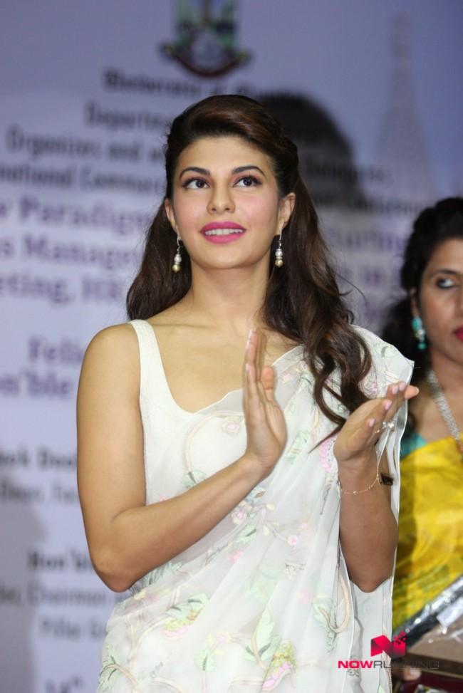 Jacqueline Fernandez Indian-Bollywood Actress-Model Fernandez Felicitated By Mumbai University Photos-3