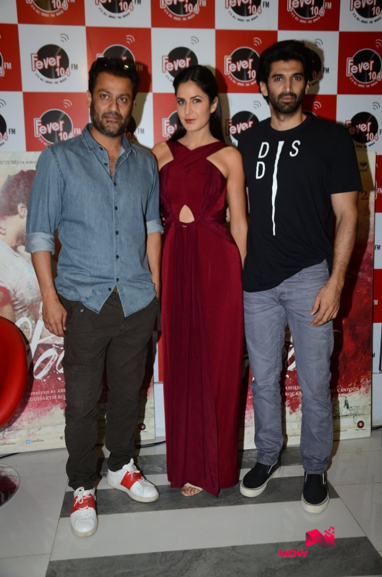 Katrina Kaif,Aditya and Abhishek Kapoor Promote Fitoor on Radio HD-HQ Wallpapers-5