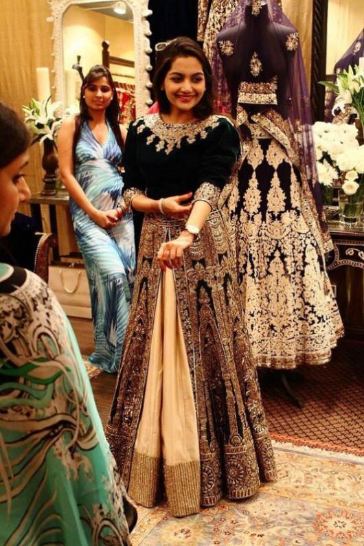 Bridal-Wedding Wear Velvet Fancy Suits Latest Fashionable Dresses Trend for Brides-Dulhan-5