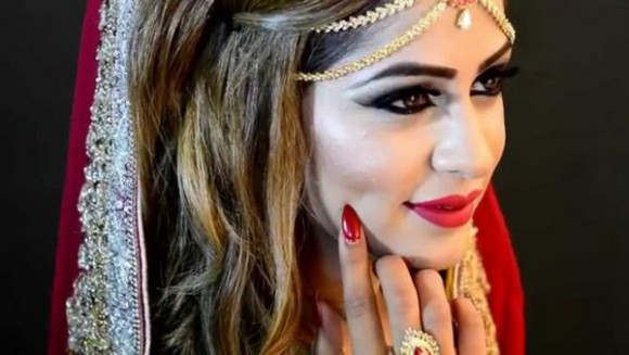 Asian Bridal Wedding Makeup Ideas for Modern Girls for Mehndi-Walima&Baraat Ceremony-7
